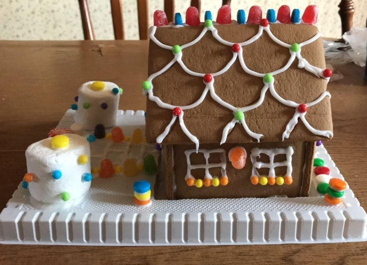 gingerbread-house-right-side.jpg